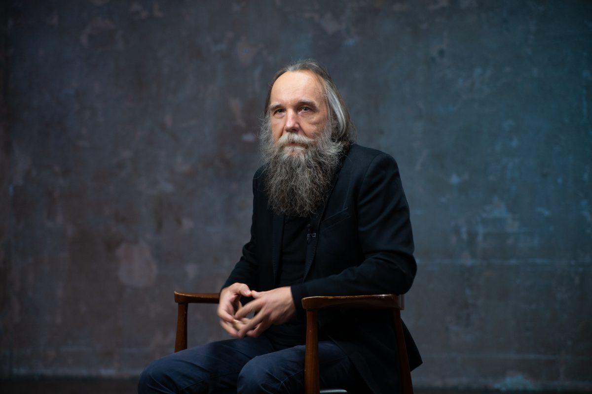 Dugin: Upadający hegemon i historyczna szansa