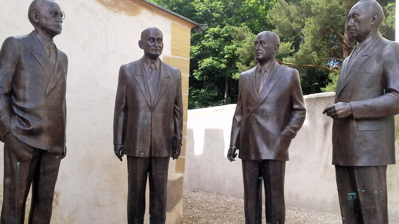 https://myslpolska.info/wp-content/uploads/2021/09/Robert-Schuman_Monument_Scy-Chazelles-1280x720.jpg