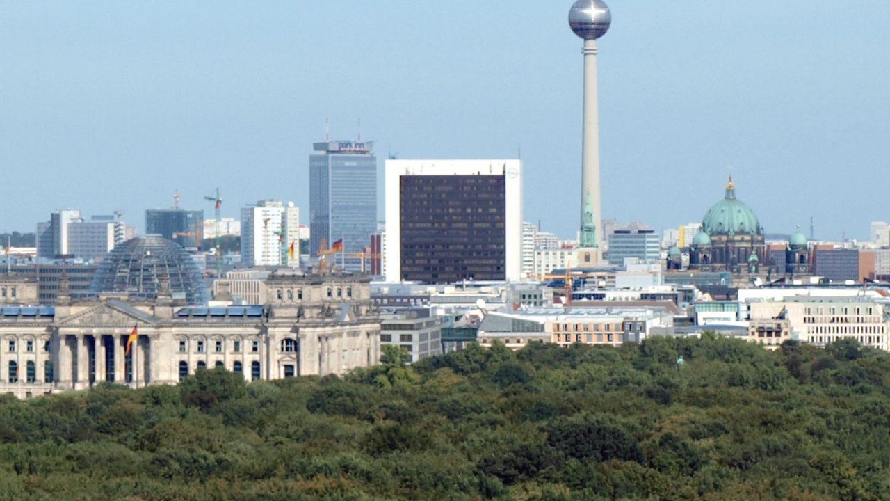 https://myslpolska.info/wp-content/uploads/2021/10/Berlin_skyline_2009-1280x720.jpg